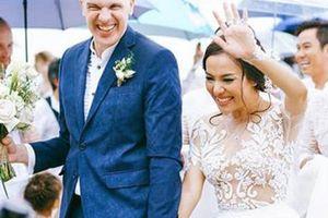 Lý Thanh Thảo 'Mùi ngò gai' liên tiếp gặp sự cố trong ngày cưới chồng Tây