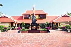 Cải thiện vệ sinh môi trường Khu lưu niệm Đại thi hào Nguyễn Du