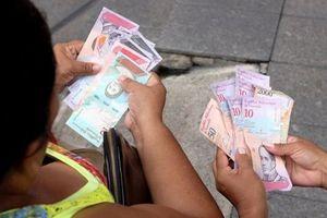 Venezuela 'tê liệt' sau khi phát hành tiền mới