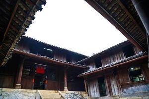 Vụ tranh chấp sổ đỏ dinh thự vua Mèo: Bộ Văn hóa làm việc với Hà Giang