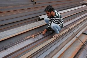 Ấn Độ thiếu thép đẩy nhu cầu toàn cầu lên mức cao kỷ lục