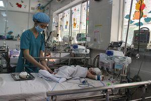 Chuyển viện thiếu an toàn, bệnh viện tuyến cuối 'giật mình'