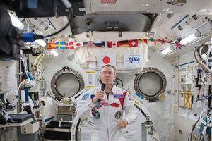 Bốn phi hành gia NASA sẽ chơi trận tennis đầu tiên trong vũ trụ
