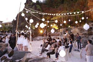 Trường Giang - Nhã Phương chuẩn bị đính hôn tại bãi biển Đà Nẵng, còn bạn có thể lựa chọn những bãi biển đẹp chẳng kém để tổ chức hôn lễ đời mình