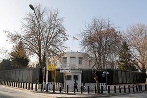 Các đối tượng tấn công Đại sứ quán Mỹ ở Thổ Nhĩ Kỳ đều say rượu