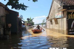 Nghệ An: Huyện Thanh Chương chìm trong nước lũ từ thượng nguồn
