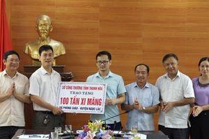 Trao tặng 100 tấn xi măng cho xã Phùng Giáo (Ngọc Lặc)