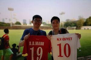 Chuyện chàng CĐV gốc Việt vượt 400km xin chữ ký ĐT Olympic Việt Nam