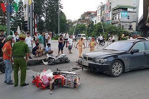 Nữ tài xế BMW gây tai nạn liên hoàn là do quai giày vướng vào chân ga