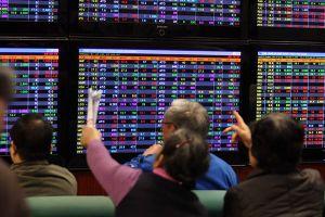 Thị trường chứng khoán tiếp tục đi lên