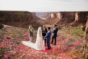 Đám cưới lãng mạn tổ chức giữa không trung