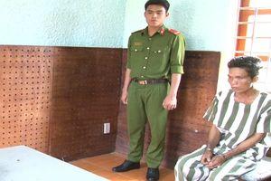Bắt giam nghịch tử sát hại cha mẹ