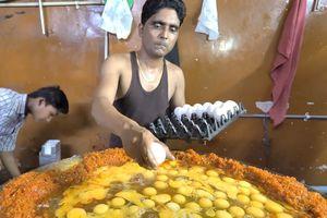Gần 400 quả trứng trong món bhurji độc đáo của Ấn Độ