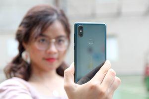 Xiaomi Mi Mix 2S màu xanh ngọc lục bảo về VN, giá 16,6 triệu đồng
