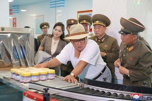 Ông Kim Jong-un lại 'nổi trận lôi đình' khi thăm nhà máy