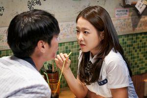 Phim mới của Park Bo Young lên ngôi đầu phòng vé