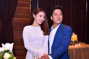Tin sao Việt 24h ngày 23/8: Lộ ảnh Trường Giang, Nhã Phương tới Đà Nẵng để đính hôn ngày mai