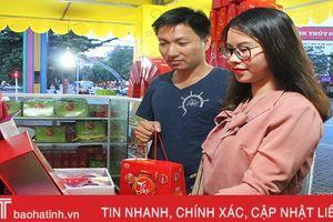 Thị trường bánh Trung thu Hà Tĩnh bắt đầu sôi động