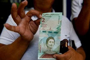 Một ngày sau khi đổi tiền, các thành phố Venezuela gần như 'tê liệt'