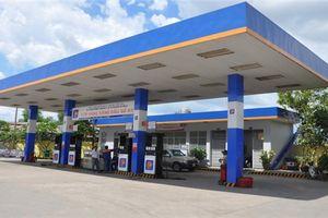 Petrolimex giảm giá xăng bán lẻ 300 đồng/lít vào thứ 6 hàng tuần