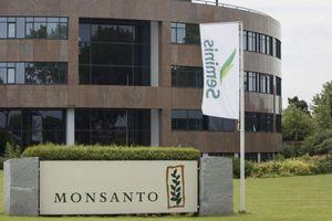 Việt Nam yêu cầu Monsanto bồi thường cho nạn nhân chất độc da cam