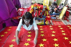 Xưởng may cờ Tổ quốc tất bật trước dịp lễ Quốc khánh 2-9