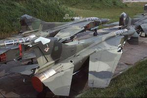 'Tiếc đứt ruột' dàn chiến đấu cơ MiG-23 bị bỏ hoang của CHDC Đức