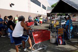 Siêu bão Lane đổ bộ, người dân Hawaii hối hả tránh bão