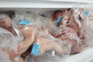Phát hiện cơ sở bán hơn trăm ký thịt heo quá hạn sử dụng