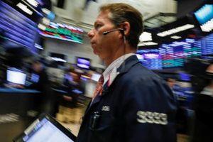 Chiến tranh thương mại leo thang đẩy chứng khoán Mỹ giảm điểm