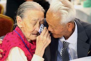 Người dân hai miền Triều Tiên mừng tủi ngày hội ngộ