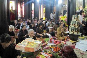 Hàng nghìn người đổ về chùa Phúc Khánh dự lễ Vu Lan 2018