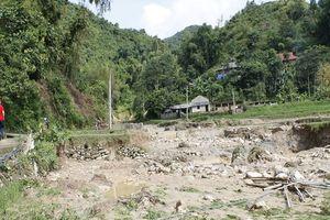 Lũ quét ập xuống trong đêm ở Sơn La, một người chết