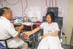 Chuyện những người hiến máu 'đặc biệt' và những bệnh nhân 'gắn bó đặc biệt' với dòng máu của... người dưng