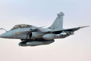 Bạn biết gì về đội hình máy bay quân sự Pháp thăm Việt Nam?