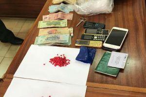 Kon Tum: Bắt 2 đối tượng vận chuyển hơn 1kg ma túy qua cửa khẩu quốc tế Bờ Y