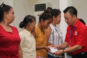 Hà Nội-Vientiane tăng cường hợp tác hoạt động nhân đạo