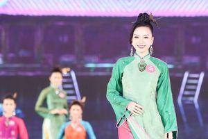 Hoa hậu Việt Nam 2018: Em gái Vũ Hoàng Điệp lọt Top 3 Người đẹp du lịch