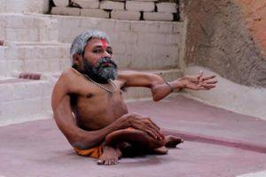 Gặp gỡ dị nhân xương xoắn người Ấn Độ