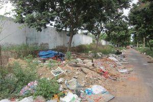 Đà Nẵng: Đường Nại Thịnh 11 đang 'tắc thở ' vì rác thải, xà bần