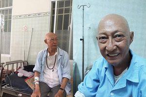 Xót xa cảnh nghệ sĩ Lê Bình nằm giường hành lang 200 nghìn/ngày để điều trị ung thư