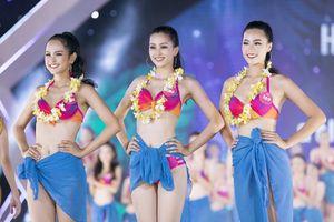 Thí sinh Hoa hậu VN khoe đường cong trong phần thi bikini
