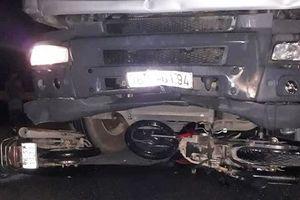 Tạm giữ hình sự tài xế tông 6 người thương vong ở Quảng Ngãi