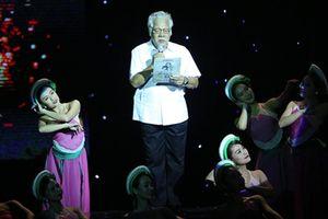Những hình ảnh xúc động đêm thơ nhạc kịch 'Tình yêu ở lại'