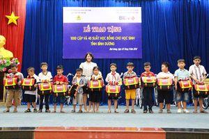 BẢN TIN TÌNH NGUYỆN: Trao 1000 cặp phao cứu sinh cho trẻ em
