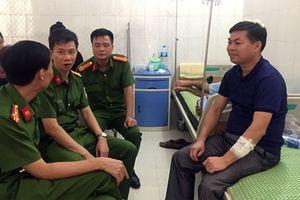 Phó Công an huyện Tam Nông bị thương khi khống chế kẻ 'ngáo đá' ôm bình gas cố thủ