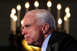 Tổng thống Mỹ và nhiều nhà chính trị trên thế giới thể hiện sự tôn trọng với Thượng nghị sĩ John McCain