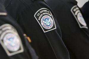 Biên phòng cửa khẩu Mỹ bị kiện vì thu giữ iPhone của hành khách