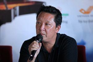 Nhạc trưởng Lê Phi Phi bật khóc khi nhớ về nhạc sĩ Hoàng Vân