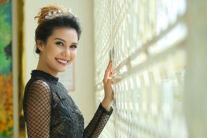 Hoa hậu Trái đất 2015 Angelia Ong rạng rỡ tham gia sự kiện ở Việt Nam